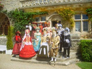 Masquerade_ball_at_Château_de_Hattonchâtel,_France_2008
